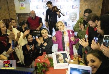 جشن تولد هما خاکپاش با حضور هنرمندان برگزار شد